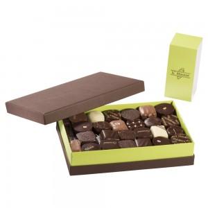 Chocolats 100% Noir intérieur ganache boite de 750 grs