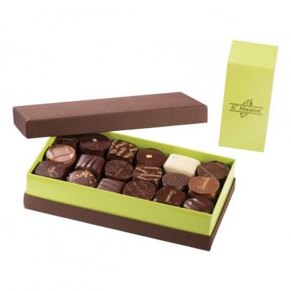 Chocolats 100% Noir intérieur ganache boite de 500 gr