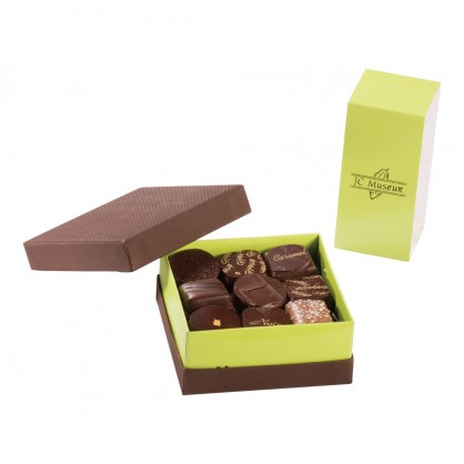 Chocolats 100% Noir intérieur ganache boite de 250 grs