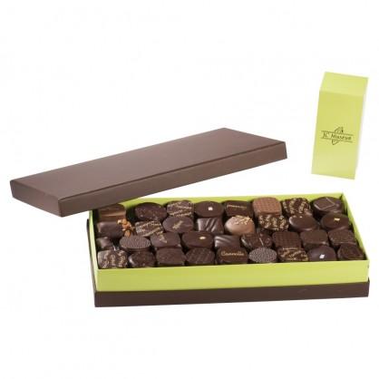 Chocolats 100% Noir intérieur ganache boite de 1000 gr